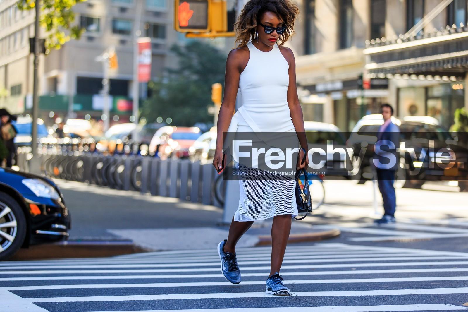 Asymetric Dress Atmosphere Details Blue Fashion Week Fishnet Frenchystyle Fw