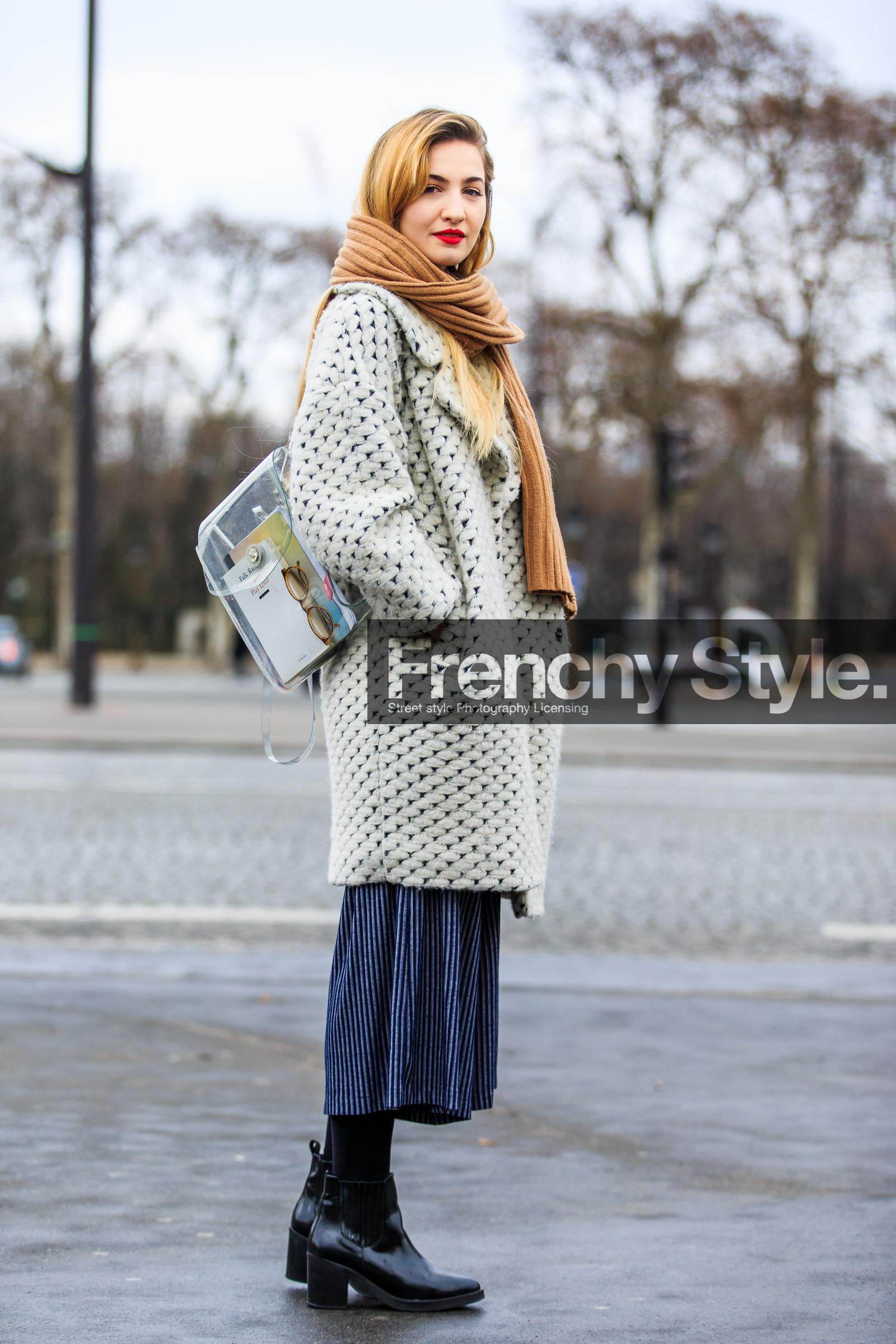 1601P0243.jpg | Frenchy Style