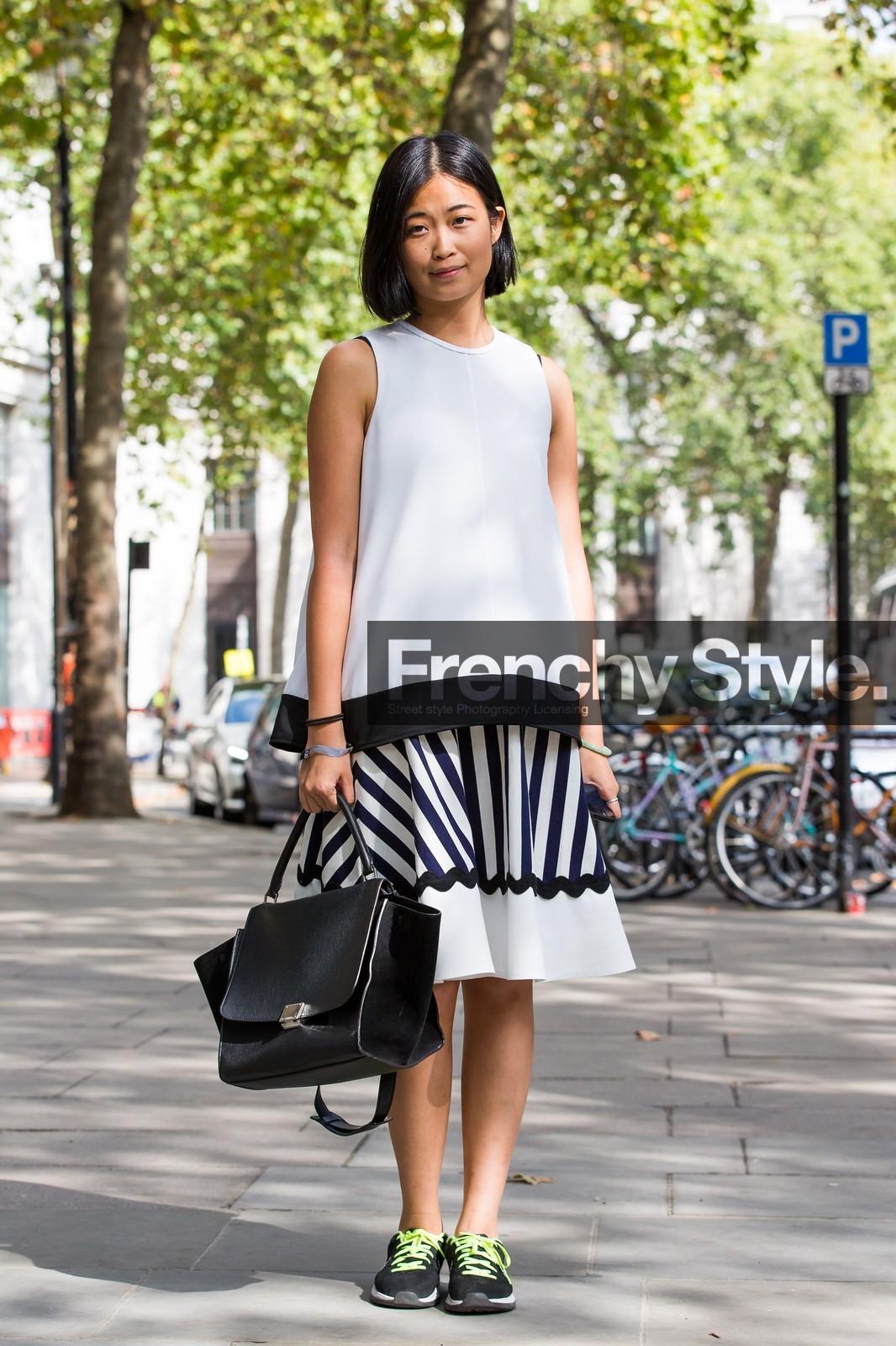 PHOTOS] Street Style Summer 2015: Monochrome Sneakers