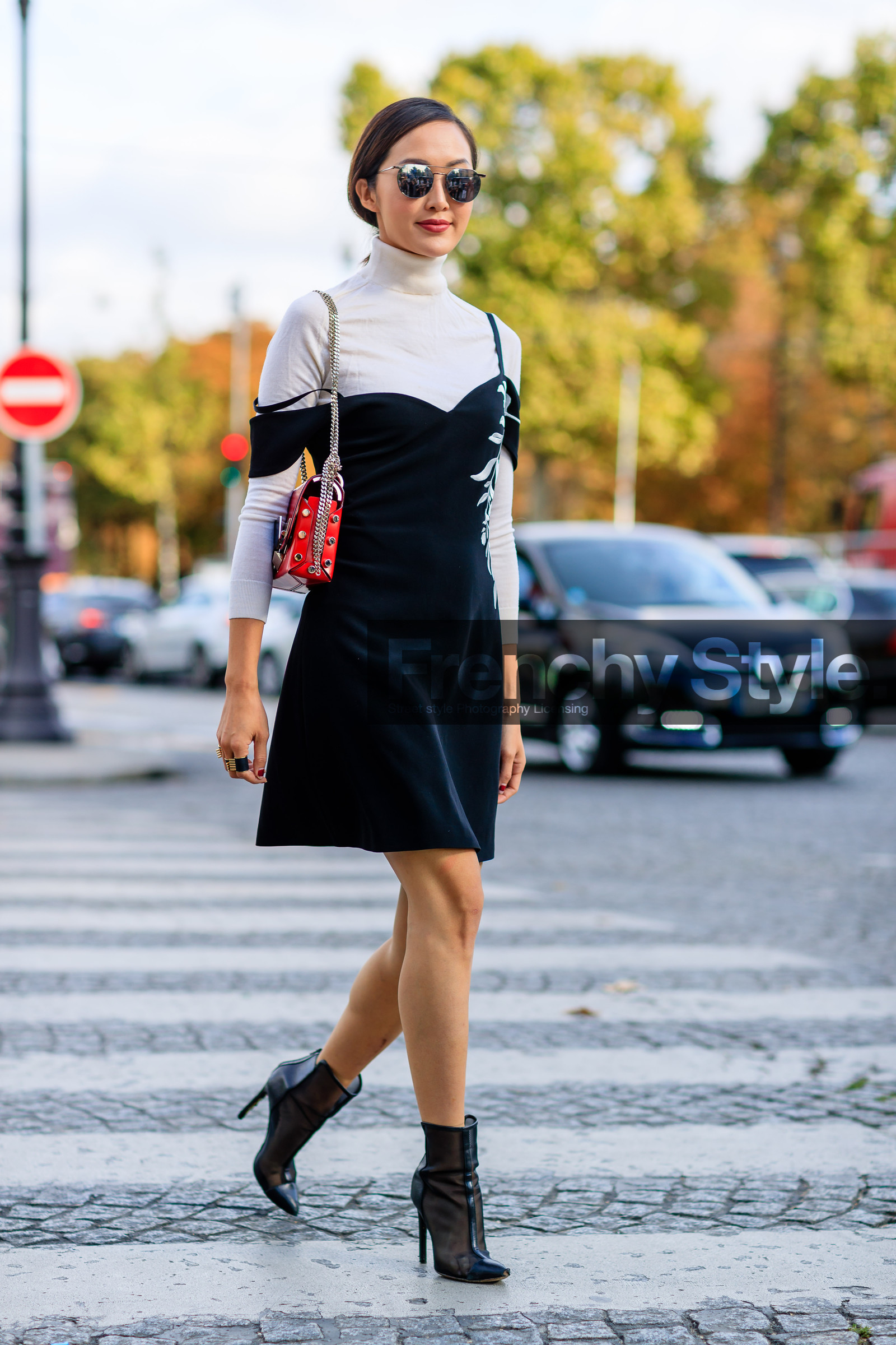 Black dress with red bag - Black Boots Black Dress Chriselle Lim Fashion Week Frenchystyle Full Length